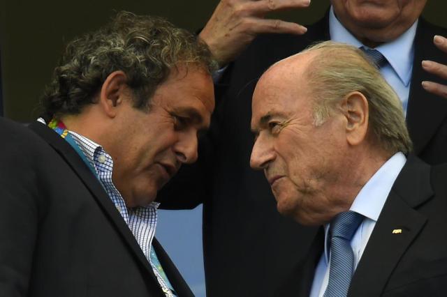 Platini, Zico e um príncipe jordaniano: quem são os possíveis sucessores de Blatter Fabrice Coffrini/AFP