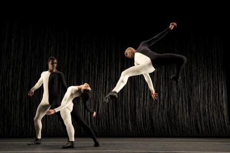 Grupo Corpo apresenta duas coreografias em Porto Alegre neste final de semana (José Luiz Pederneiras/Divulgação Grupo Corpo)