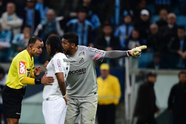 Em súmula divulgada pela CBF, árbitro não cita ofensas racistas a Aranha Fernando Gomes/Agencia RBS