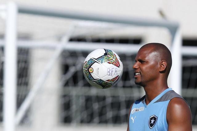 Ansioso, goleiro Jefferson aguarda exame decisivo no próximo mês Satiro Sodre/SS Press