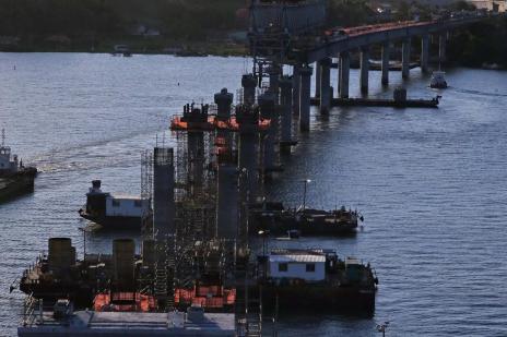 Construção da ponte de Laguna entra na última e mais complexa etapa (Charles Guerra/Agencia RBS)
