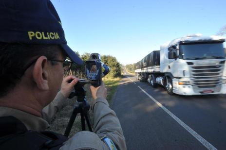 Radares em sequência aumentam em mais de 20 mil o número de multas (Jean Pimentel/Agencia RBS)