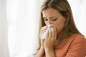Pessoas saudáveis carregam pelo menos cinco tipos de vírus no corpo, diz pesquisa Steve Knight/iStockphoto