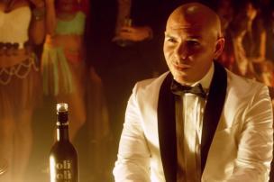 Assista ao clipe de Fireball, último single do rapper Pitbull Reprodução/YouTube