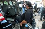 Táxis adaptados para cadeirantes podem começar a circular em março de 2015 Luciane Gonçalves/Divulgação PMPA