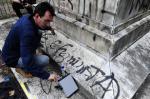 Exame de ultrassom avalia monumento aos Garibaldi em Porto Alegre