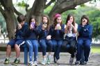 Pesquisa revela que 58,7% das crianças e adolescentes entre 10 e 14 anos da Região Sul têm celular Marcelo Oliveira/Agencia RBS