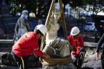 Monumento mais antigo de Porto Alegre muda de endereço
