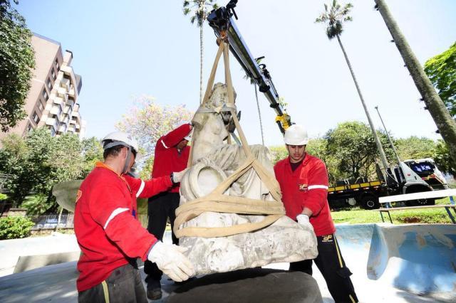 Pedaços desaparecidos do monumento mais antigo de Porto Alegre podem estar na Redenção Ronaldo Bernardi/Agencia RBS