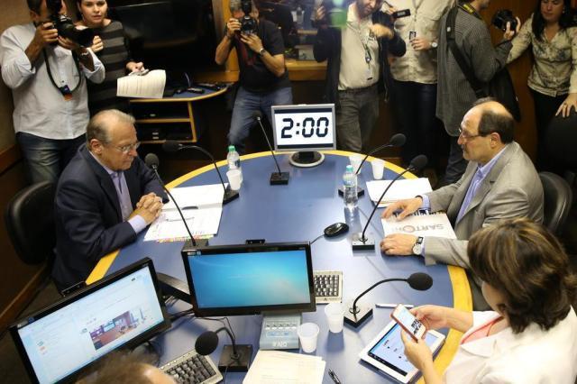 Sartori e Tarso partem para o ataque no primeiro debate do segundo turno Fernando Gomes/Agencia RBS