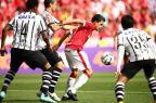 """Nilmar lamenta gol cedo que fez o Corinthians se fechar: """"Não tinha espaço"""" Bruno Alencastro/Agencia RBS"""