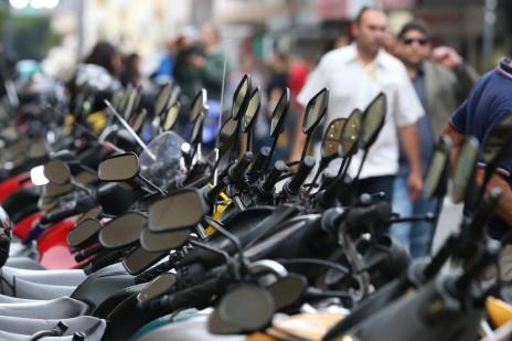 Frota de 1 milhão de motos em SC aponta insatisfação com transporte público (Daniel Conzi/Agencia RBS)