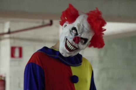 Lista: pegadinhas assustadoras para se inspirar nesse Halloween (Reprodução/YouTube)