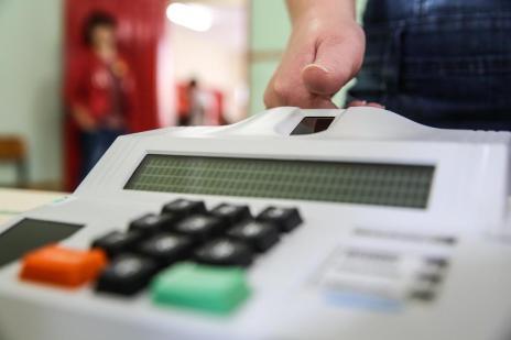Como proceder na votação biométrica? (Marco Favero/Agência RBS)