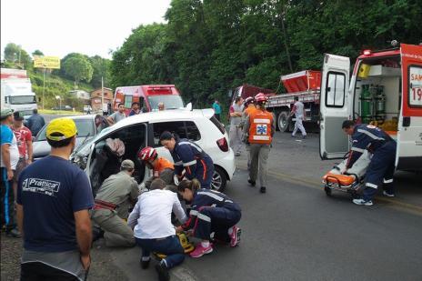 Após acidente com dois feridos, trânsito é liberado na RSC-470 em Bento Gonçalves (Bruno Mezzomo / Leouve / Divulgação/)