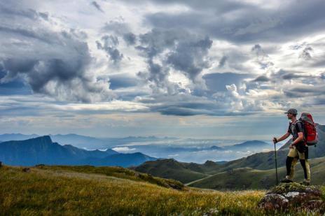 Conheça o trekking e saiba por que essa prática faz bem para a mente e o corpo (Tiago Korb/Divulgação)