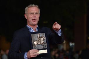 Filme anglo-brasileiro Trash ganha prêmio principal do Festival de Roma TIZIANA FABI/AFP