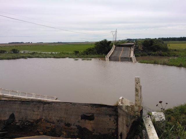 Cai a ponte da BR-287 que estava interditada Claudio Vaz/Agência RBS