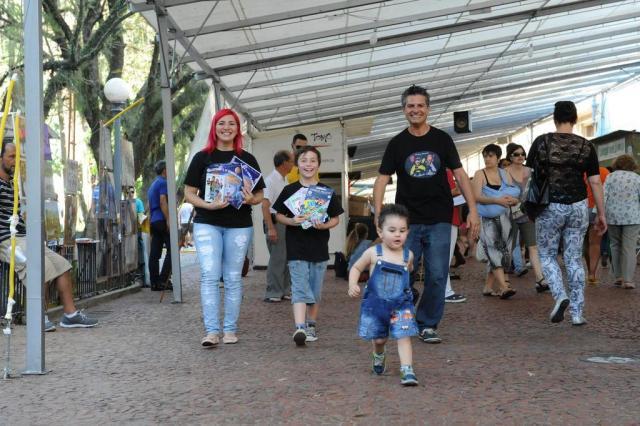 A estreia na festa dos livros Luiz Armando Vaz/Agencia RBS