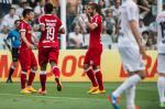 Com dois gols de Aránguiz, Inter vence o Santos