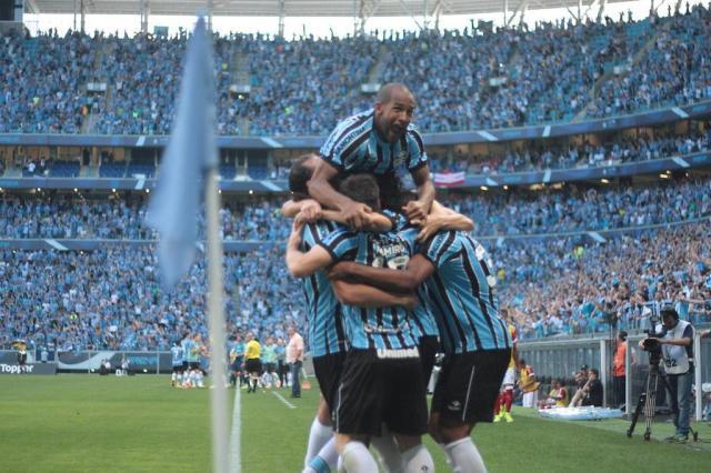 Grêmio goleia o Inter, encerra sequência sem vencer Gre-Nais e entra no G-4 Ricardo Duarte/Agencia RBS