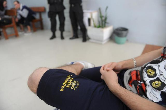 Após revista em mochilas de alunos da Escola Santa Catarina, Polícia Civil de Caxias do Sul registra boletim de ocorrência Jonas Ramos/Agencia RBS