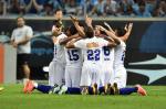 De virada, líder Cruzeiro supera Grêmio na Arena