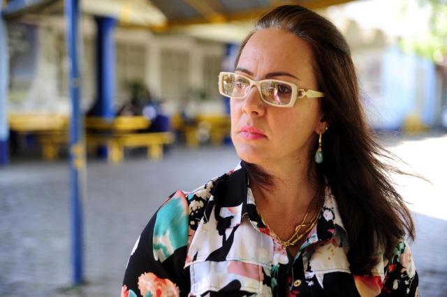 """""""Minha vontade é entregar o cargo"""", desabafa diretora de escola de Caxias, após polêmica sobre revista em mochilas Felipe Nyland/Especial"""