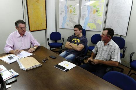 Agricultores fazem fila para depor sobre escândalo do Pronaf (Ronaldo Bernardi/Agencia RBS)