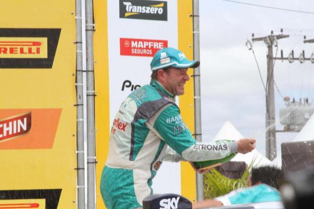 Rubens Barrichello conquista o título da Stock Car em Curitiba Vagner Rosario/Estadão Conteúdo