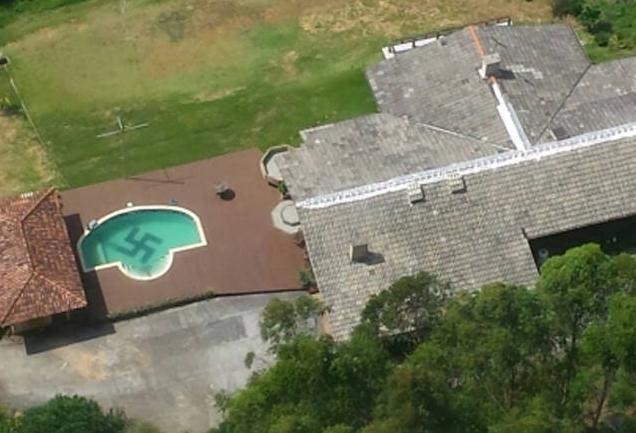 Foto: Polícia Civil flagra suástica no interior de piscina em Santa Catarina Divulgação/Polícia Civil