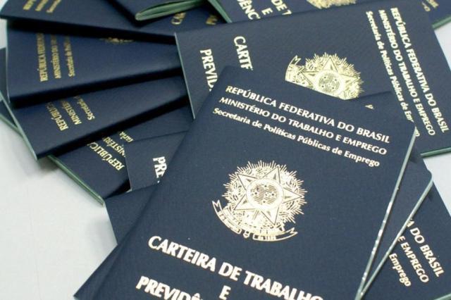 Brasil corta quase 1 milhão de vagas de emprego formal em 12 meses (Divulgação/Laine Valgas)