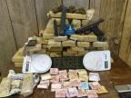 Boe localiza 40kg de maconha em Porto Alegre Brigada Militar/Divulgação