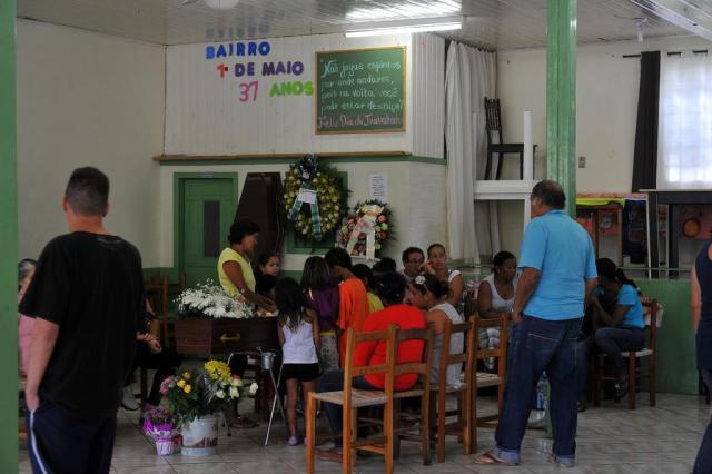 """""""Ela e as outras meninas estavam tirando fotos"""", diz irm�o de jovem que morreu afogada em Torres Jonas Ramos/Agencia RBS"""