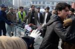 Ataque mata mais de 100 crianças em escola do Paquistão