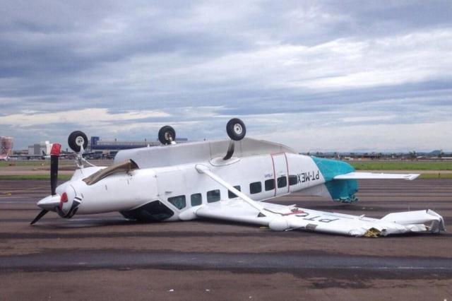 Foto: temporal vira avião no Aeroporto Salgado Filho Arquivo pessoal/Arquivo pessoal