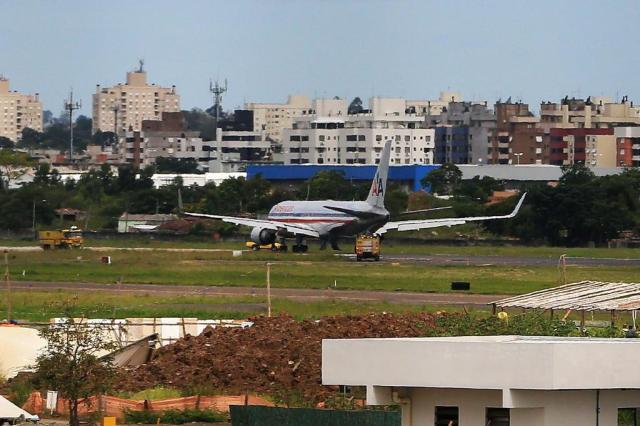 [Brasil] Avião retorna ao Salgado Filho minutos após decolar para Miami 17127412