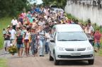 Enterro de mãe e filha mortas em acidente mobiliza dezenas em Santo Antônio da Patrulha Diego Vara/Agencia RBS