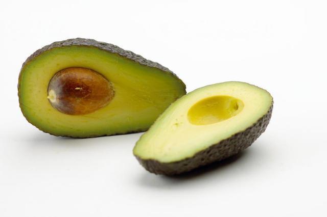 """Comer um abacate por dia pode controlar o colesterol """"ruim"""" freeimages/divulgação"""
