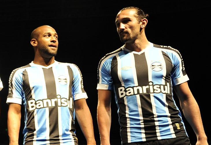 f85f0c3aad Confira as mudanças nas camisas do Grêmio nos últimos anos