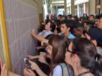 UFRGS divulga listão de aprovados no vestibular 2015 Maria Eduarda Fortuna/Rádio Gaúcha/Agência RBS