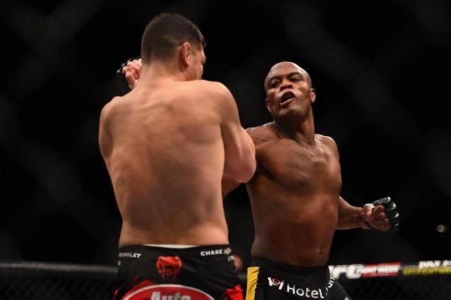 Entenda o efeito das substâncias encontradas no exame de Anderson Silva Reprodução/Twitter UFC Brasil