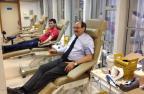 Sartori muda agenda e doa sangue no Hemocentro, em Porto Alegre Leandro Staudt /Agência RBS