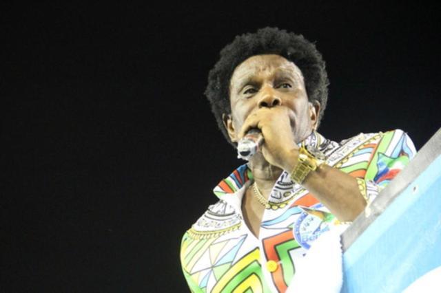 Sem dinheiro sujo, Carnaval não seria o mesmo, diz Neguinho da Beija-Flor