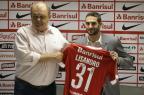 Com quatro meses para mostrar serviço, Lisandro López é apresentado pelo Inter Lauro Alves/Agência RBS