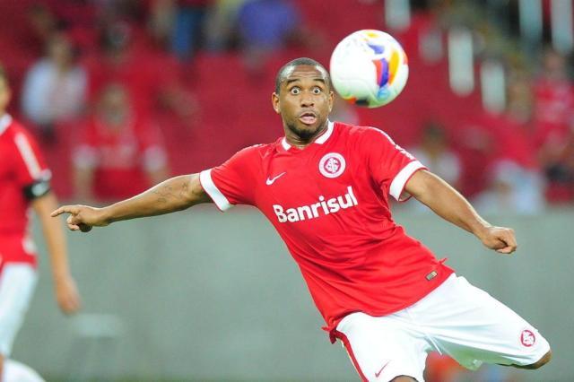 Alvo do futebol chinês, meia Anderson garante que fica no Coritiba Ricardo Duarte/Agencia RBS