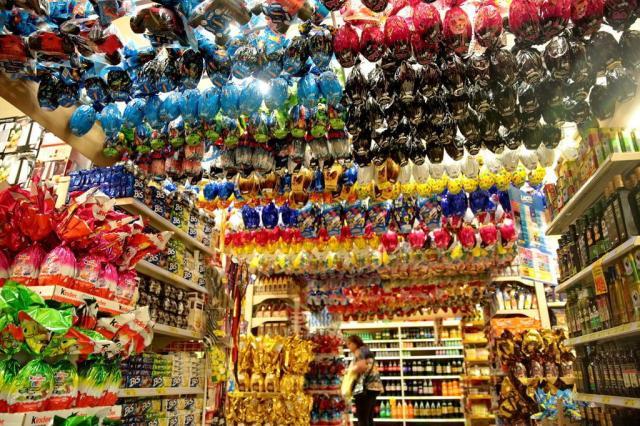 Associações de consumidores reclamam da inclusão de brindes nos ovos de Páscoa Ricardo Duarte/Agencia RBS