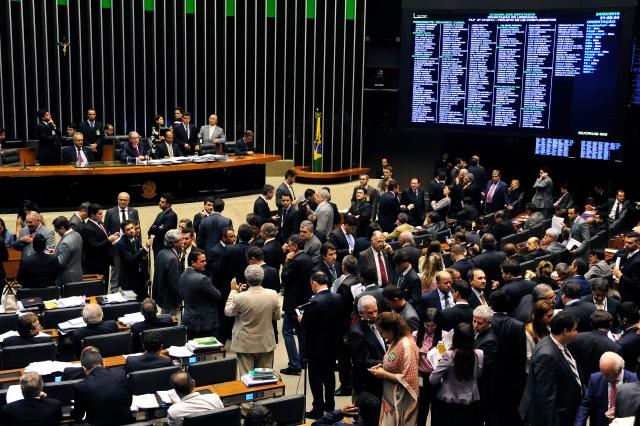 Resultado de imagem para Com 13 deputados, PTN comunica ao Planalto rompimento com governo Temer