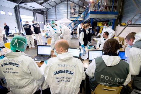 Investigadores já identificaram DNA de 78 ocupantes de avião da Germanwings (Germanderie Nationale/AFP)