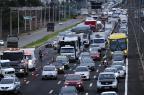 Caminhão tomba e provoca congestionamento na freeway Ronaldo Bernardi/Agência RBS